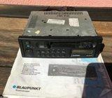 BLAUPUNKT AUTO RADIO