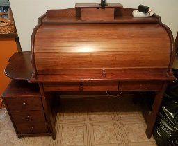 Sekter drveni pisaći stol