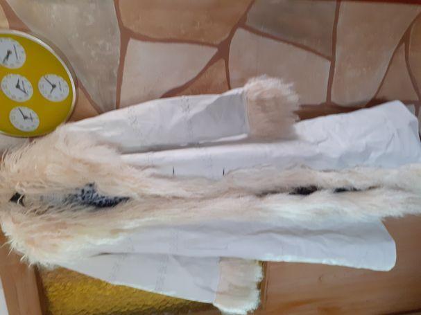 Kozni dugacki mantil  sa krznom
