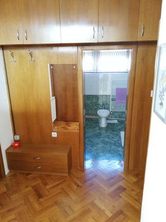 Iznajmljujem kuću za 5 studenata u okolici Karlovca