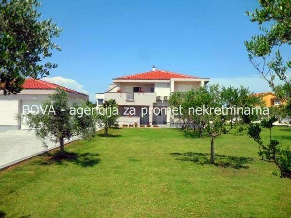 Apartmanska kuća sa 7 apartmana u Zatonu, Nin *150 m OD PLAŽE*  (ID-1527)