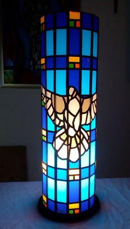 unikatne stolne lampe sa potpisom.